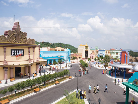 short essay on ramoji film city Amusement park industry essay ramoji film city ramoji film city is the ultimate leisure destination for holidays short.