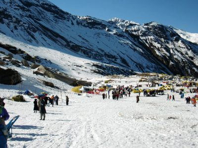Rohtang-Pass_Wikimedia-commons_Miya.m