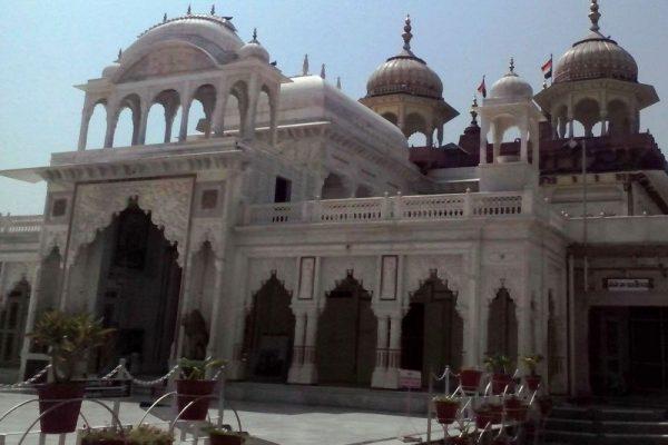 176328898Ranthambore_Chamatkar_Temple_Main