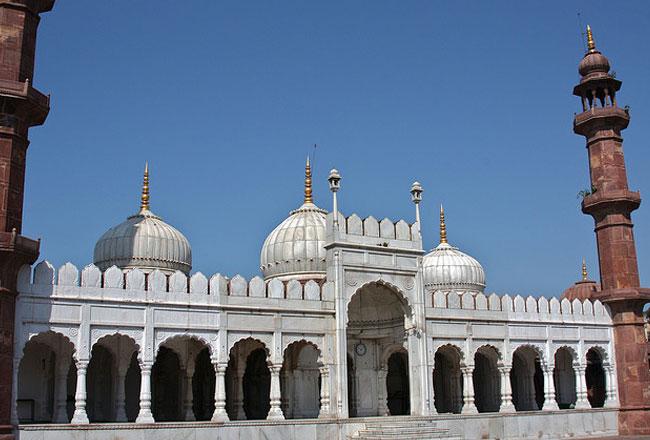 """Résultat de recherche d'images pour """"Moti Masjid"""""""